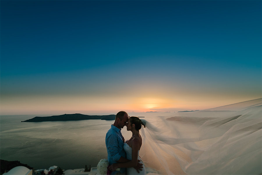 Wedding Photographer Santorini