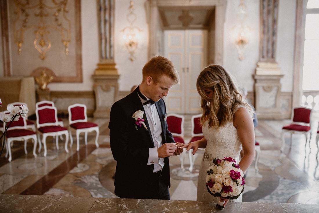 PhotographyS&S_Hochzeitsfotograf_Salzburg_Mirabell_Tina-and-Henrik_ (73 von 296)