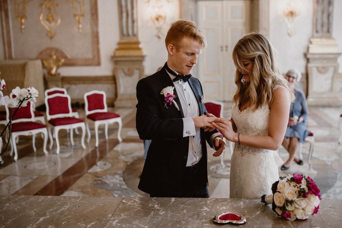 PhotographyS&S_Hochzeitsfotograf_Salzburg_Mirabell_Tina-and-Henrik_ (77 von 296)
